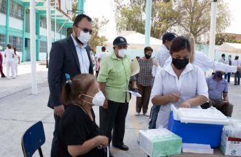 Transcurre con orden y fluidez jornada de vacunación en Soledad