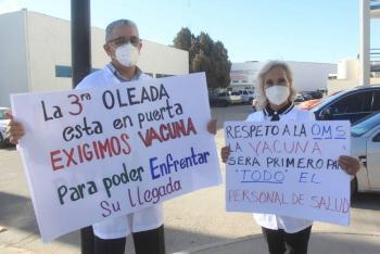 Médicos privados alistan megamarcha para exigir vacuna contra COVID-19