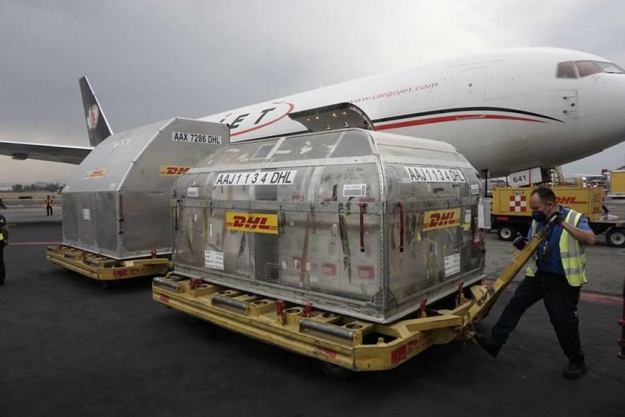 Llegó a México un lote con 487 mil 500 vacunas de Pfizer