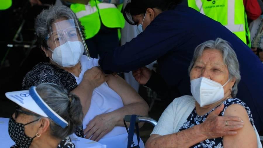 En Guanajuato detectan a 87 adultos mayores con Covid ya vacunados