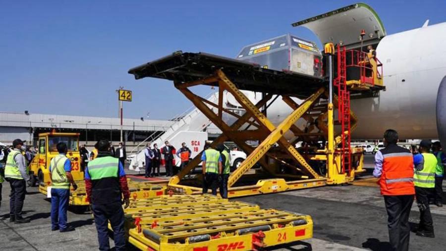 Llega nuevo cargamento de Pfizer a México