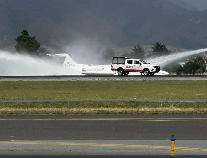 Aterrizaje de emergencia en Aeropuerto de Toluca obliga a cerrar pista