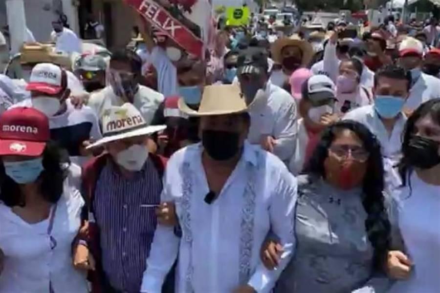 Félix Salgado arriba al INE para impugnar; anuncia que acusará en SCJN a consejeros
