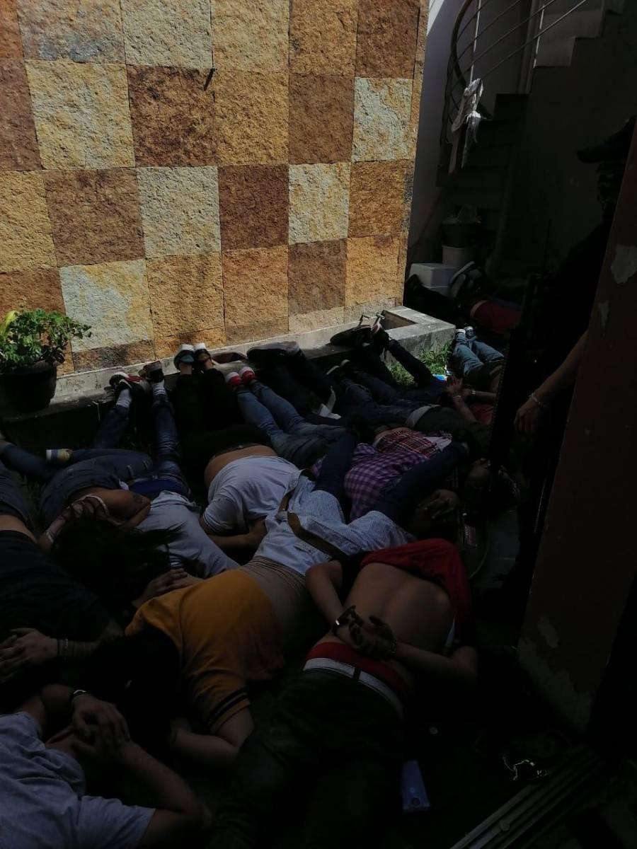 Decenas de detenidos y 3 muertos, deja balacera en la colonia Chapalita en Guadalajara, Jalisco