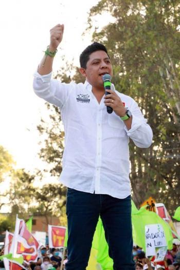 Manuel Velasco denuncia que en SLP, gobierno ataca a 'El Pollo' Gallardo