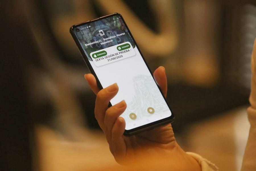 Otorgan primera suspensión contra padrón de telefonía móvil