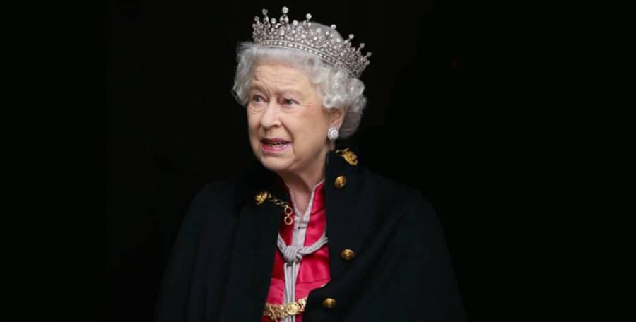 Llega Isabel II a 95 años, en medio de una crisis familiar
