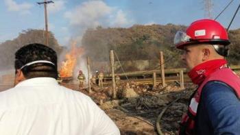 """CFE restablece el suministro eléctrico al 91% a los afectados por incendio en """"Pajaritos"""""""