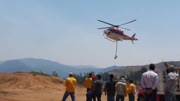Continúa combate de incendio forestal en el Valle de Bravo