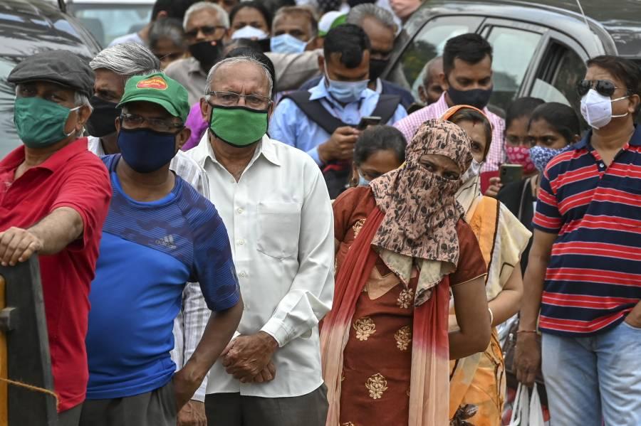 El COVID-19 no cesa en India; más de 300 mil casos en un día