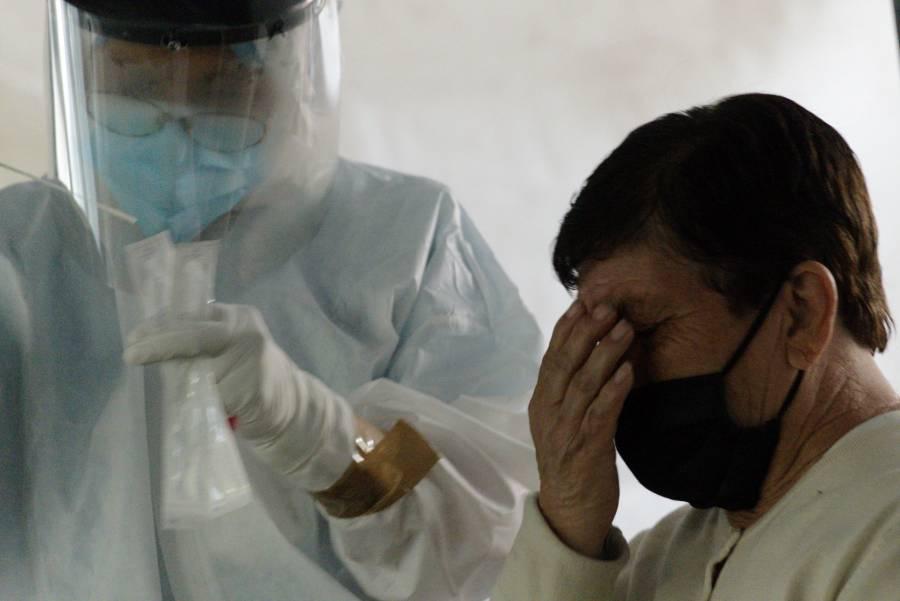 México reporta 2 millones 508 mil 276 casos estimados de COVID-19 y 214 mil 095 fallecidos