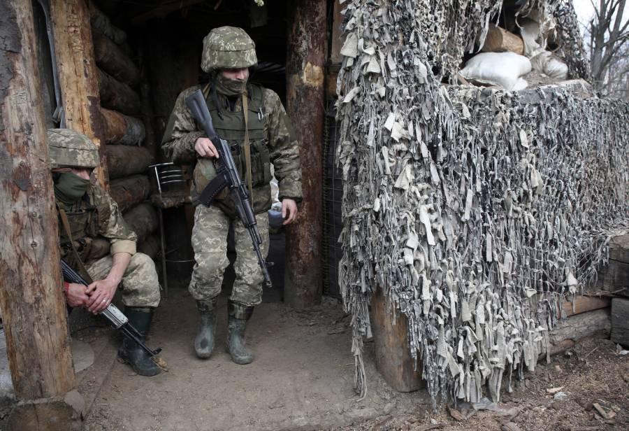 Rusia retira tropas cerca de Ucrania