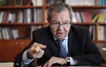 Zaldívar no puede guardar silencio frente a la violación a la Constitución: Muñoz Ledo