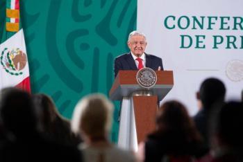 """""""Debe dejar de presumir logros en mañaneras"""", dice INE al apercibir a AMLO"""