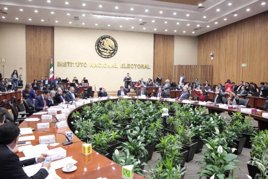 Niega Hacienda recursos adicionales al INE para consulta popular
