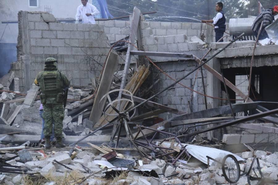 Se derrumba vivienda tras explosión de tanque de gas en Tlalnepantla; hay dos muertos