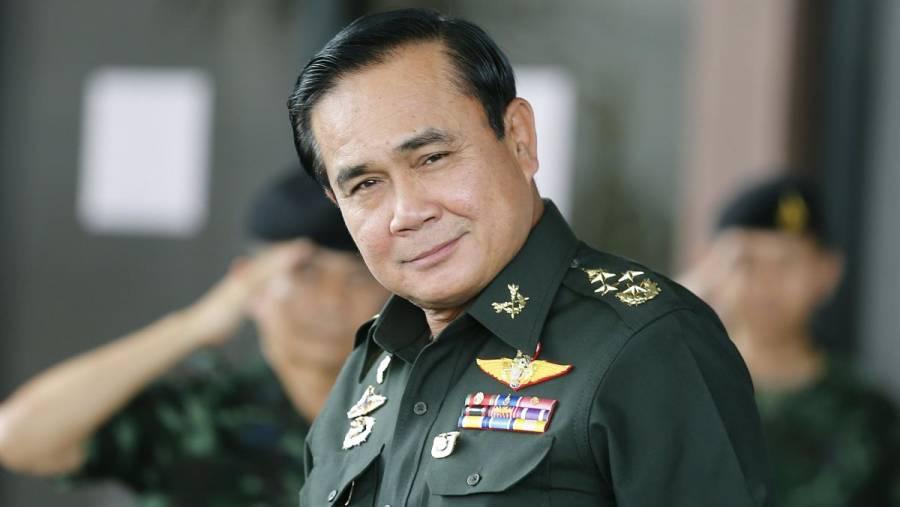 Tailandia multa a su primer ministro por no usar cubrebocas