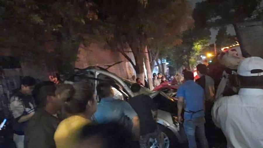 Camión se queda sin frenos y embiste a varios vehículos en Xochimilco; hay tres muertos