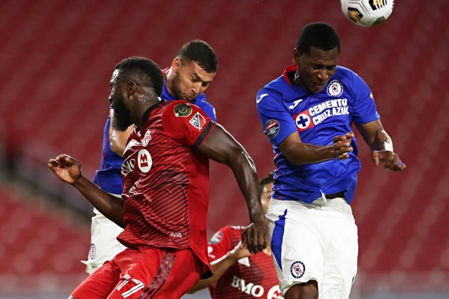 Cruz Azul vence a Toronto FC y queda a un paso de semifinales en Concachampions