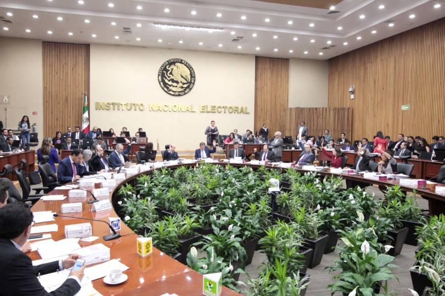 Aprueba reforma de consulta popular para enjuiciar ex presidentes