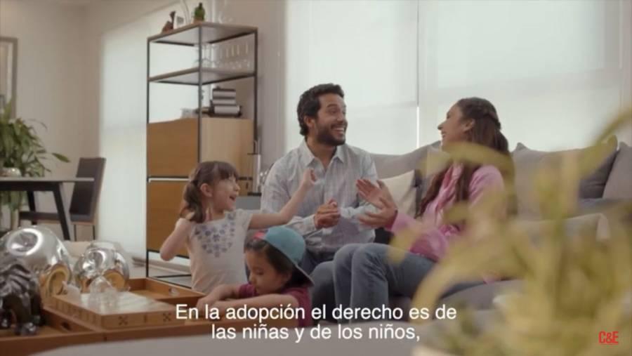 Tachan de censura la orden del INE que retira los spots del PES contra aborto y adopción homoparental