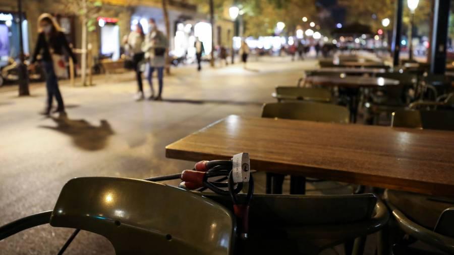 Francia abrirá restaurantes y lugares culturales progresivamente