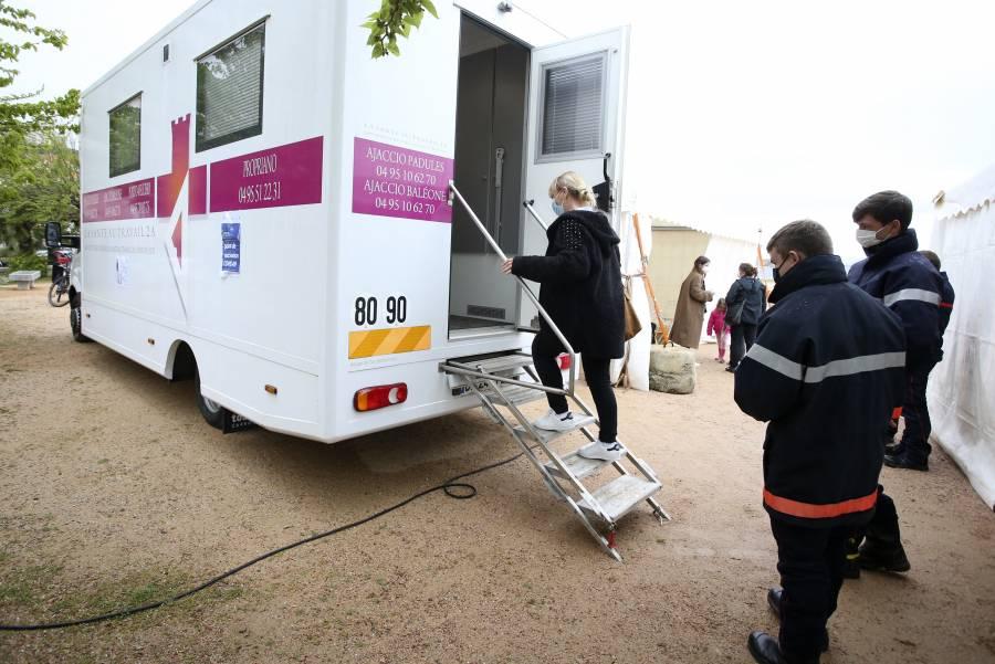 En Francia detectan tres casos de Covid-19 con variante india