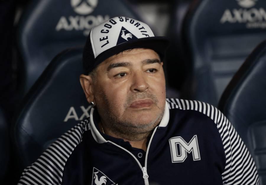 """Revelan que Maradona murió """"abandonado"""" por su equipo de salud"""