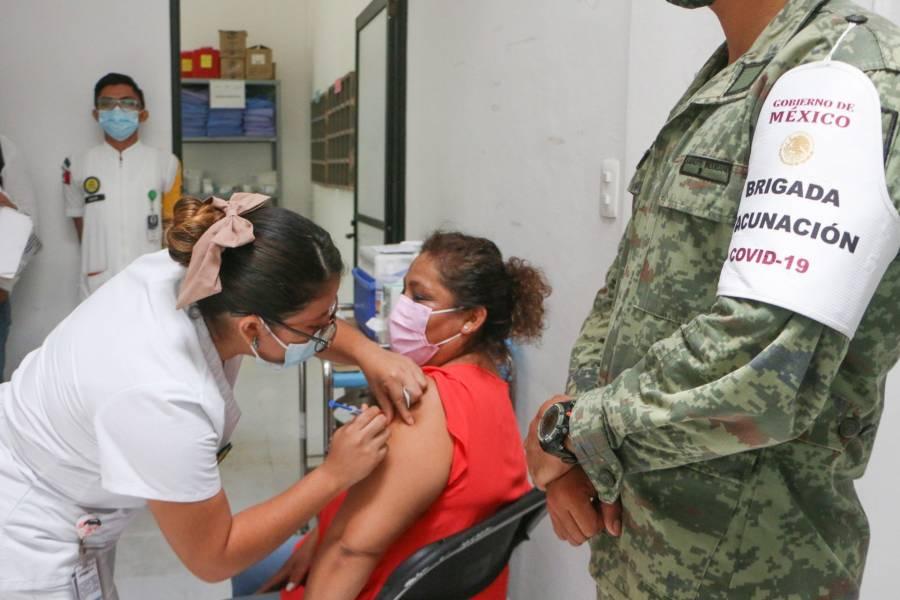 Salud ve viable plan de AMLO de aplicar 50 millones de vacunas en julio
