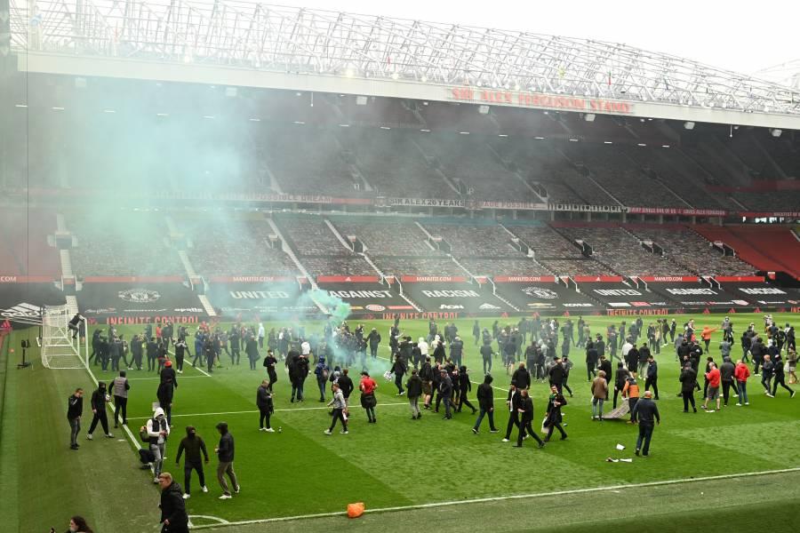 Aplazan el Manchester United vs Liverpool tras invasión de aficionados a Old Trafford