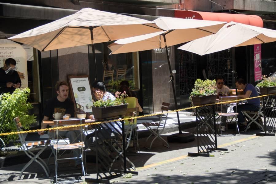 Inicia registro de restaurantes para colocar enseres en la vía pública