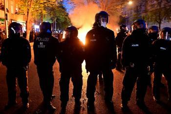 En Día del Trabajo, policía alemana detiene a más 250 manifestantes en Berlín