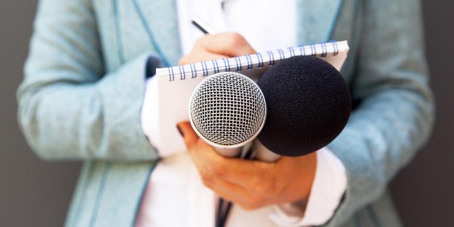Mujeres periodistas corren más riesgo y amenaza ejerciendo la libertad de expresión, exponen durante foro del INAI