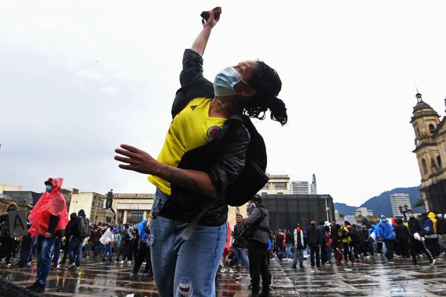 Continúan las protestas en Colombia; comunidad internacional denuncia excesos de la fuerza pública