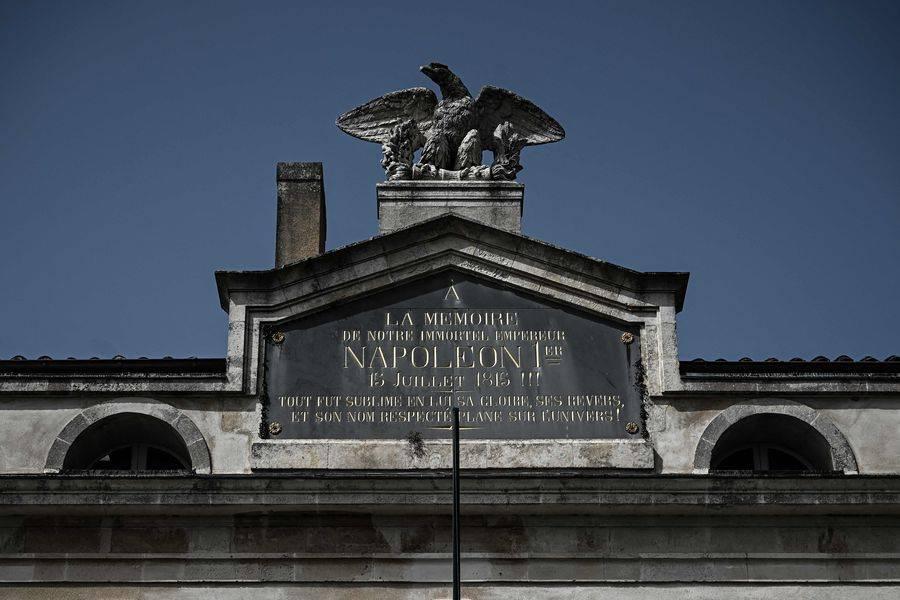 Francia conmemora los 200 años de la muerte de Napoleón