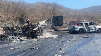 Accidente de tráiler provoca el cierre de la autopista Colima - Manzanillo