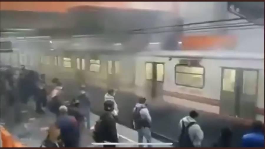 Video: ¡Más fallas! Usuarios reportan corto circuito en Metro Pantitlán