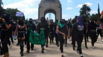 Feministas y madres de familia marcharon por sus familiares desaparecidos