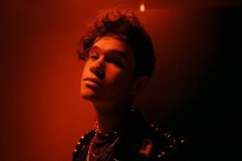 Argentino Sebastián Javier cierra la brecha entre el pop y la música latina