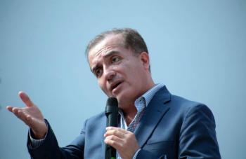 NO ES ILEGAL, DICE LUIS CARLOS GALDE SOBRE REPARTO DE TARJETAS COMO PROPAGANDA EN NUEVO LEÓN