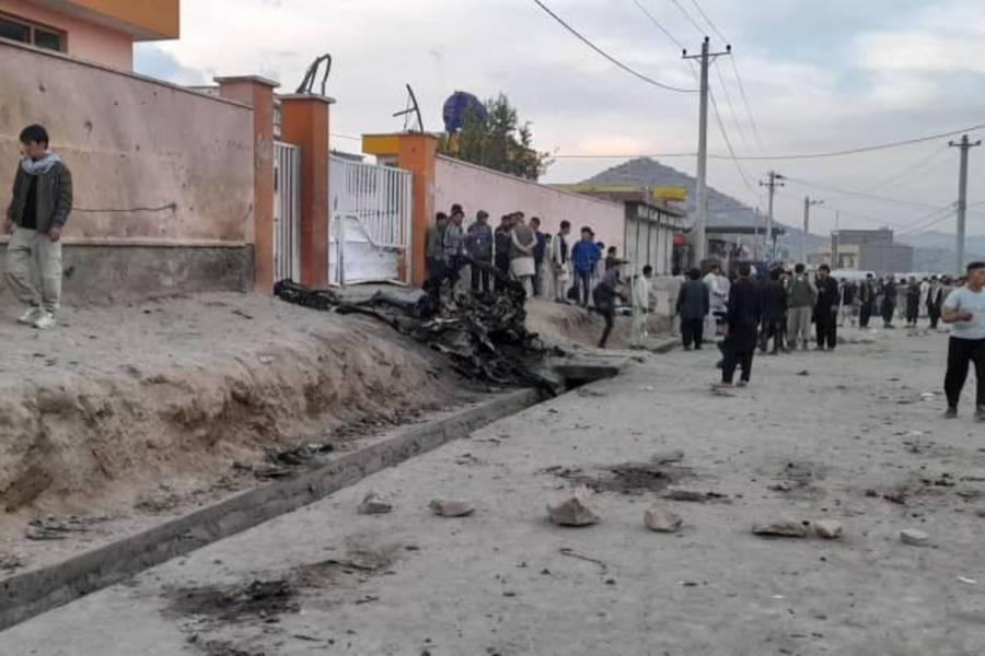 Al menos 30 muertos y 52 heridos en explosión cerca de escuela afgana