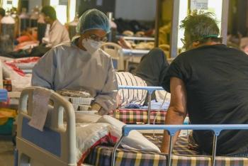 India sobrepasa por primera vez las 4 mil muertes diarias por COVID-19