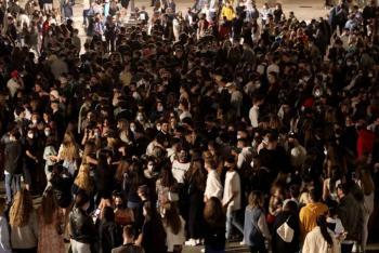 España está de fiesta tras el termino de toque de queda