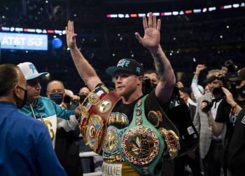 """Ya llegaron los memes de la pelea entre """"Canelo"""" Álvarez y Billy Joe Saunders"""