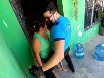 ¡Feliz 10 de mayo! Strippers para todas las madres, de parte de la Alcaldesa de Ixil, Yucatán