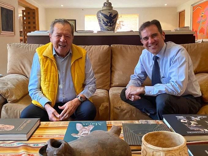 Almuerzan juntos Muñoz Ledo y Lorenzo Córdova