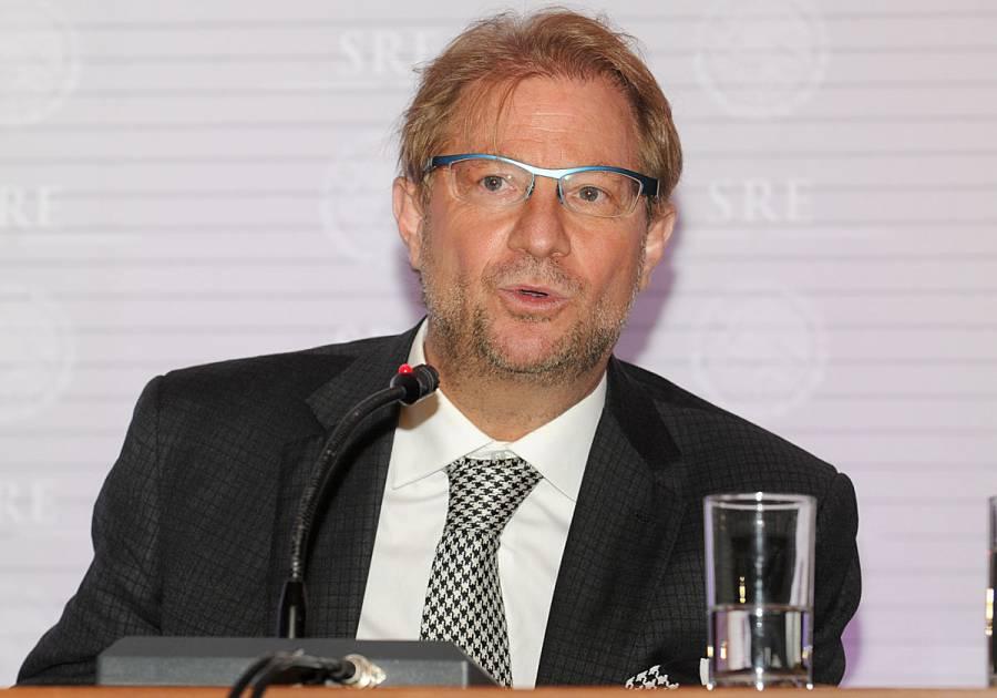 Interpol emite ficha roja para capturar a Andrés Roemer