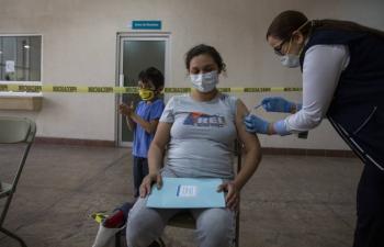 Vacunación antiCovid a embarazadas podría empezar la semana próxima: GobCDMX