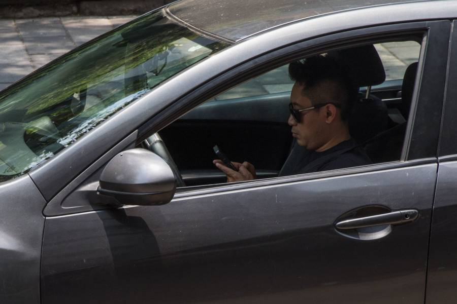 IFT interpondrá controversia por padrón de celulares