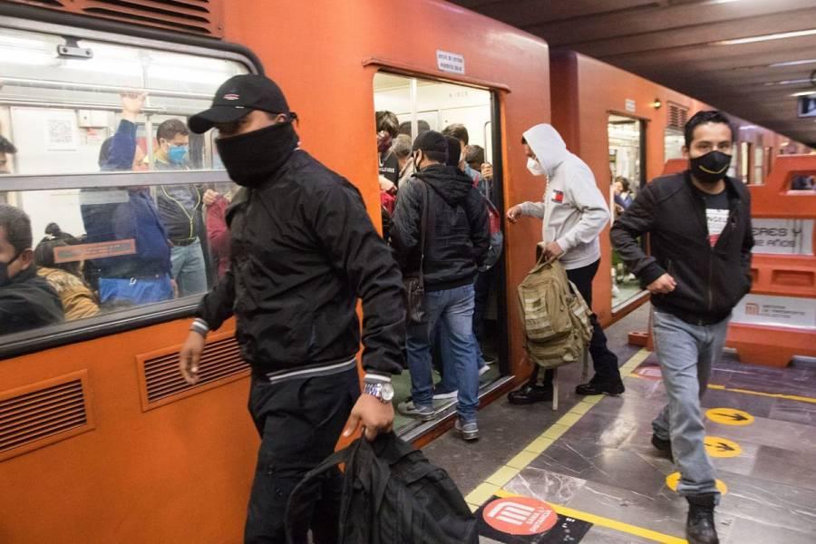 Usuario del Metro muere tras arrojarse a vías de la estación Coyuya